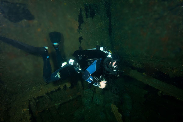 dona marilyn wreck diving malapascua