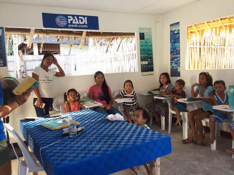 kids reading evolution dive resort