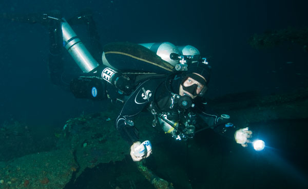 wreck diving in malapascua