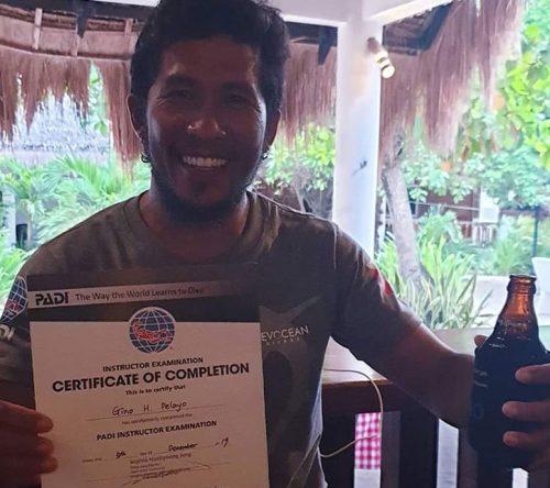 padi diving instructor